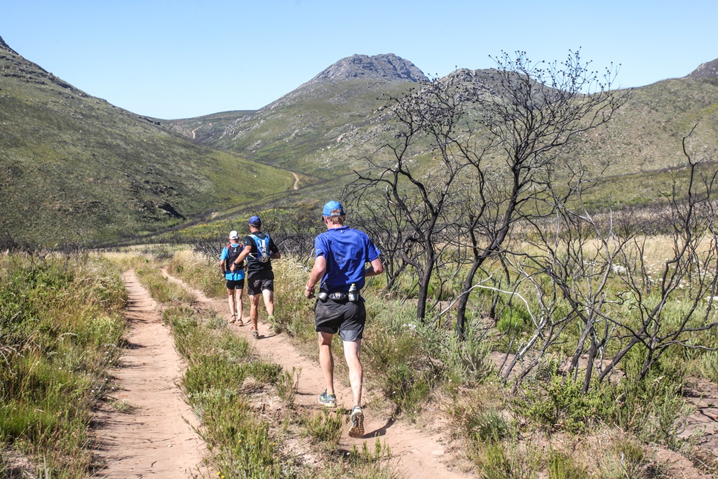 The route through the Attakwaskloof provides a regular reminder of the climbs ahead.  Photo by Oakpics.com.